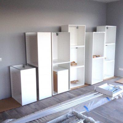 virtuvinių baldų surinkimas